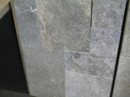 Silver Travertine 1 1 4 3cm Versailles Pattern Tumbled